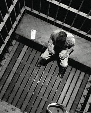 اتاق فرار جنون زندان